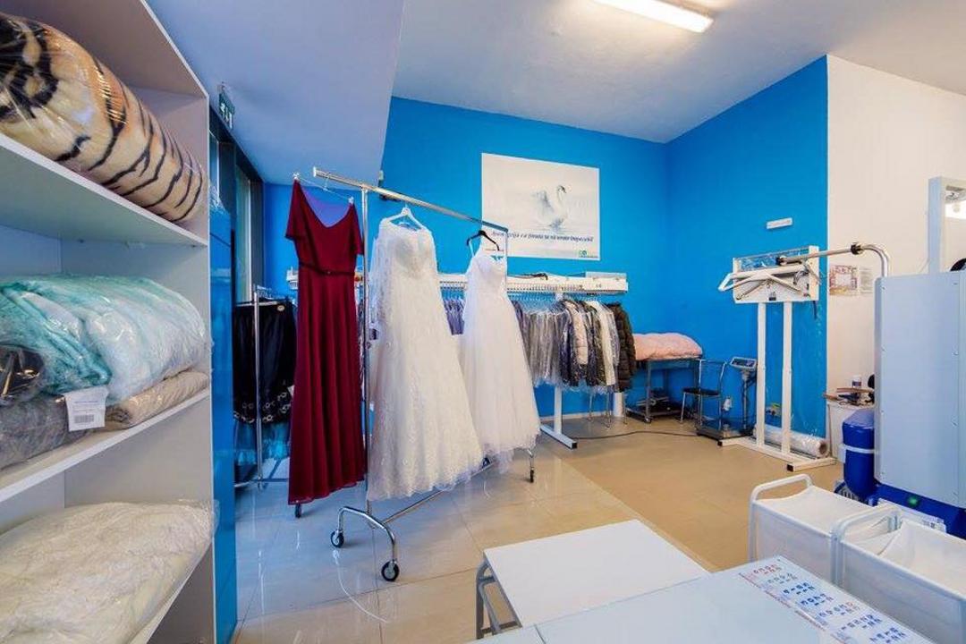 prețuri incredibile cea mai fină selecție stiluri de moda O antreprenoare din Arad vrea 500.000 de lei dintr-o curăţătorie ...